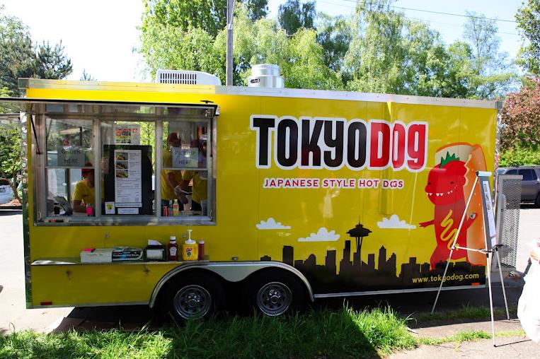 40 most creative food trucks 1 design per day for Design food truck online